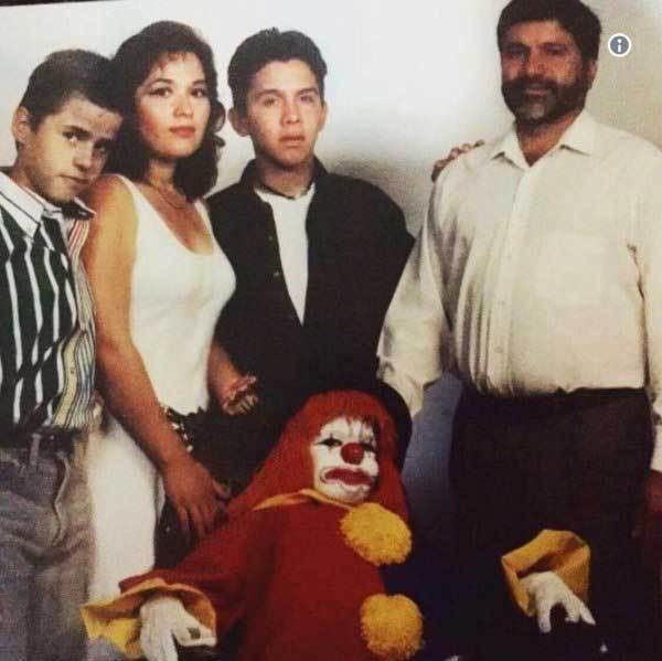 коллективное фото с клоуном