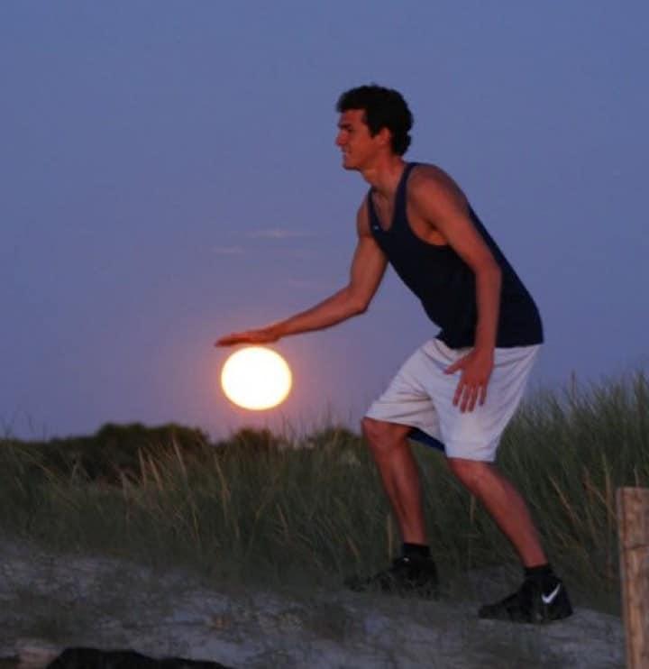 мужчина и луна