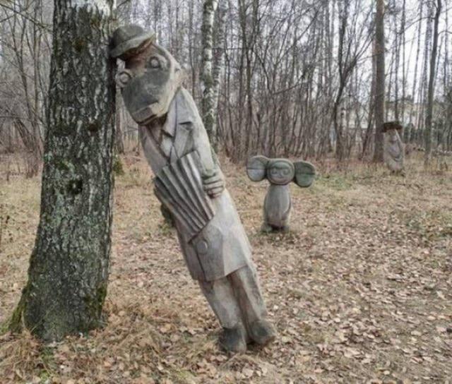 Крокодил Гена и Чебурашка из дерева