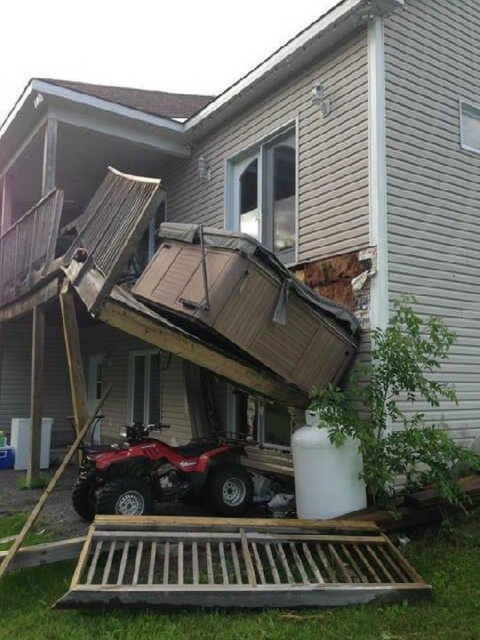 балкон упал