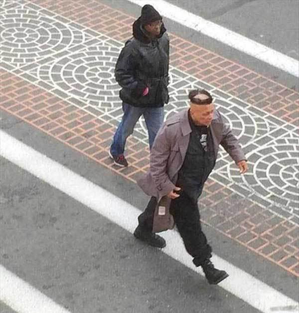 мужчины на улице