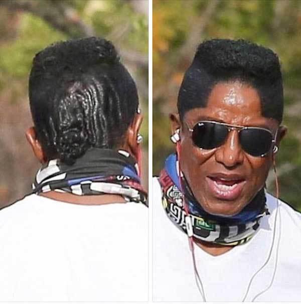 чернокожий мужчина в очках