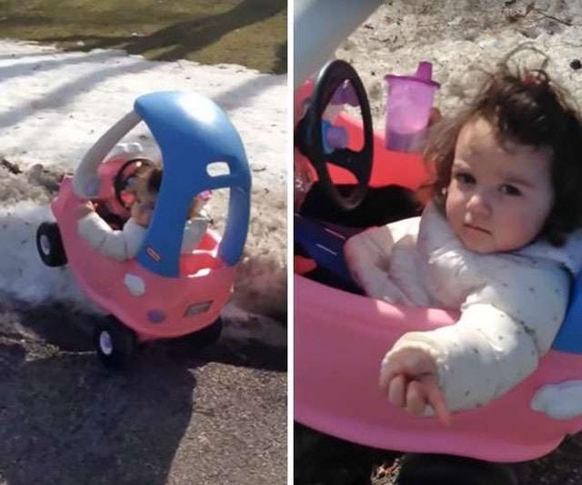 девочка в детской машинке