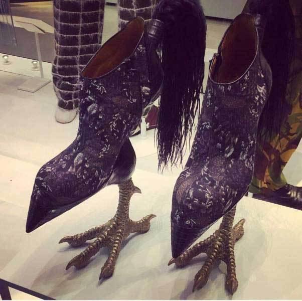 женские туфли на каблуках куриных лапках