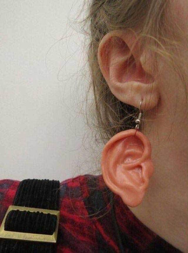 серьга в форме уха