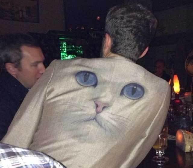 пиджак с мордой кота