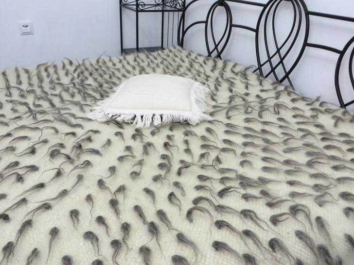 странное одеяло
