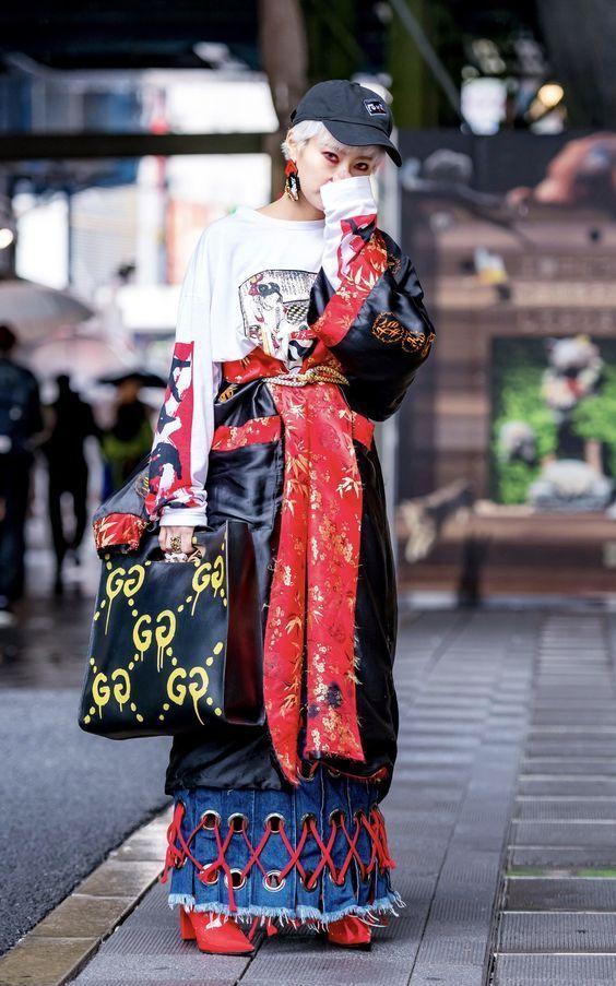 девушка в японской одежде
