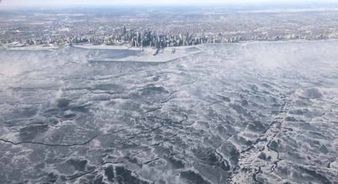 замерзшее озеро мичиган