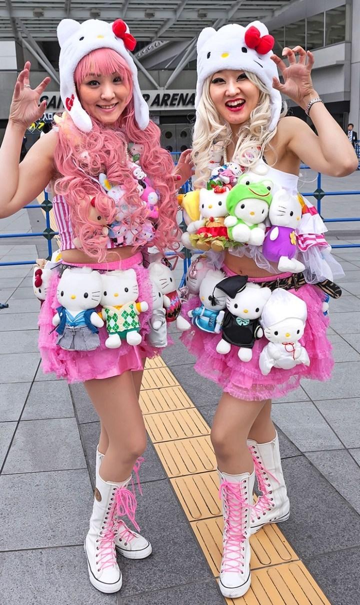японки с хело китти