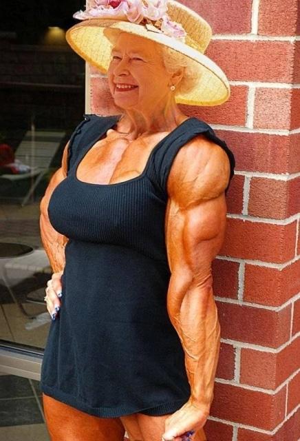 королева Елизавета 2 с мускулами