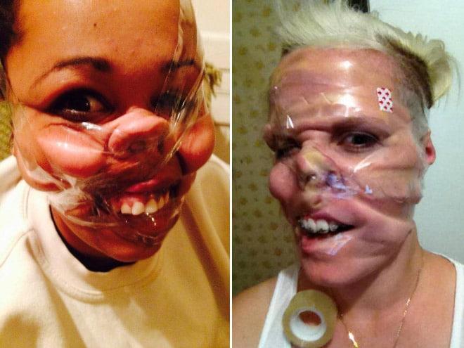 девушки со скотчем на лице