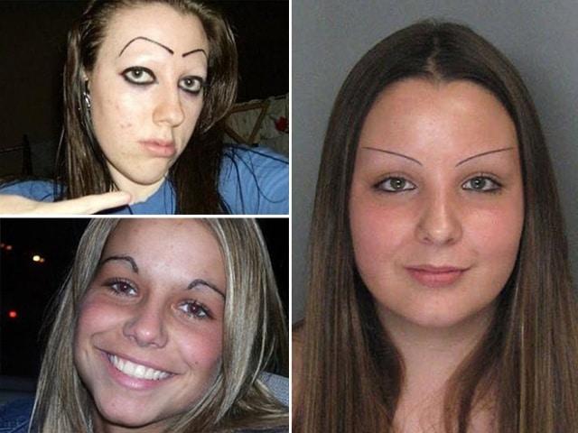 три девушки со странными бровями