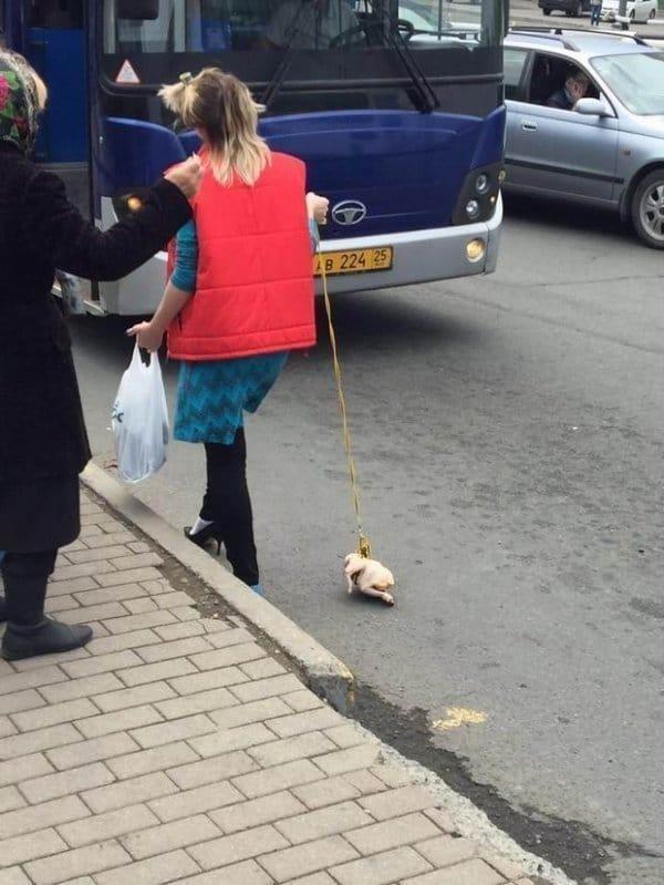 женщина с курицей