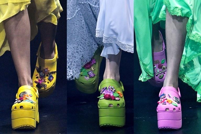цветные кроксы
