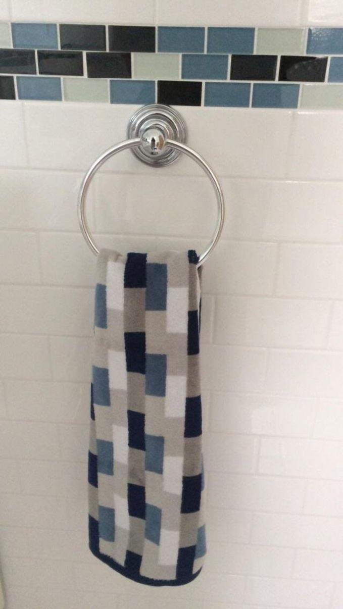 полотенце и плитка в одной расцветке