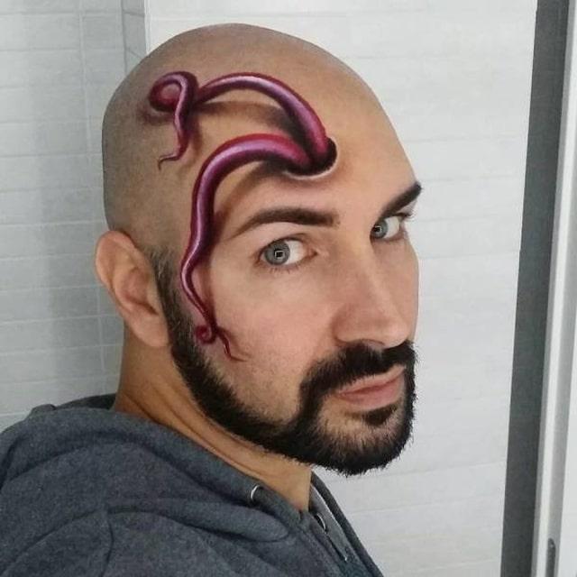 щупальцы на лице