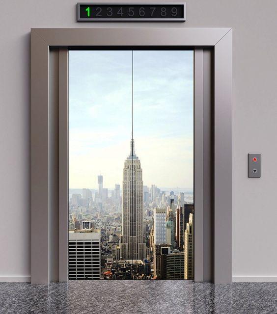 лифт с панорамой города