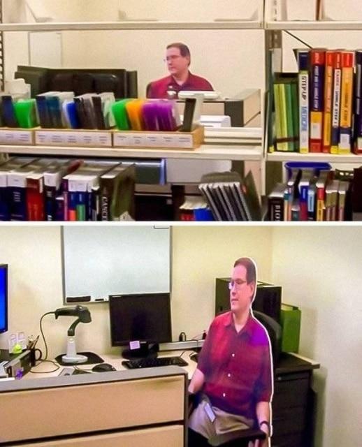 мужчина из картона в офисе