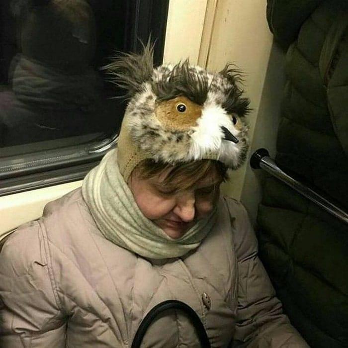 смешная женская шапка