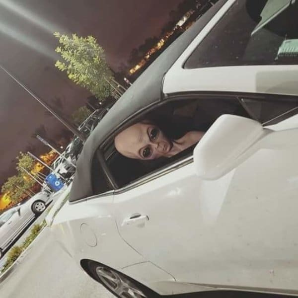 пришелец в белой машине