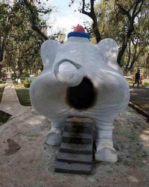 детская горка в форме слона