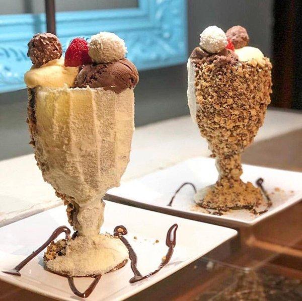 стаканы с мороженым