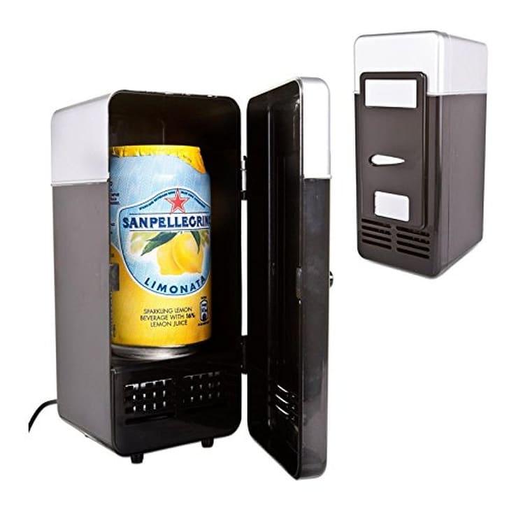банка с напитком в мини-холодильнике