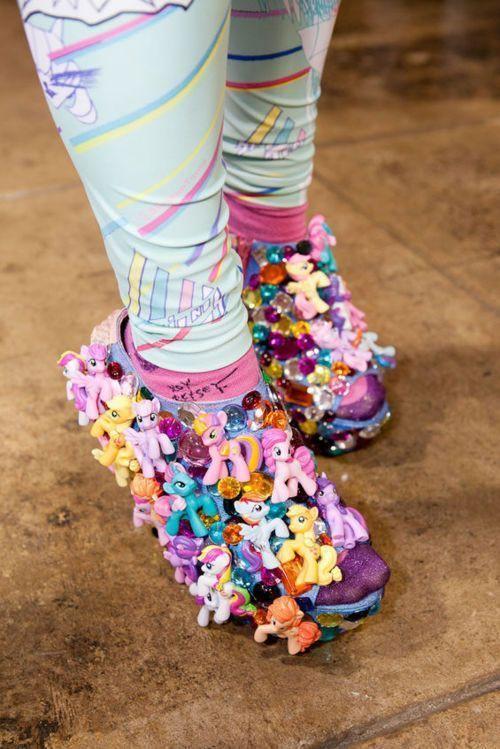 обувь с единорогами