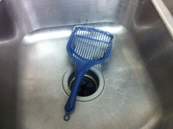 совочек для лотка в раковине