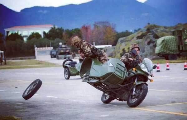 мотоцикл потерял колесо