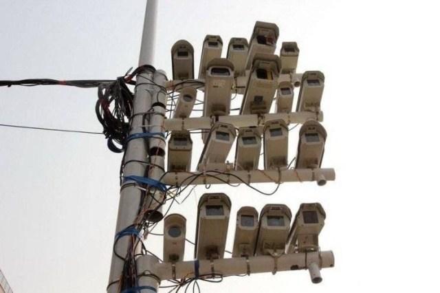 камеры видео наблюдения на столбе