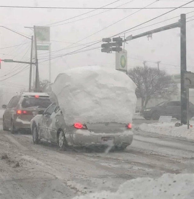 машина и снег