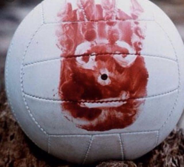 Леонардо Ди Каприо неудачно принял волейбольный мяч (6 фото)