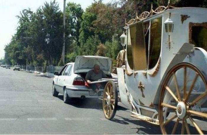 машина с белой каретой
