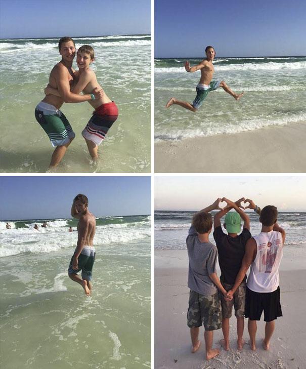 парни позируют на пляже