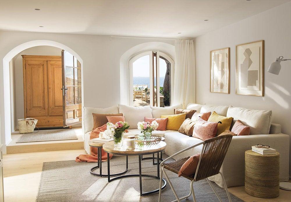 Завтрак у моря: пляжный домик в Испании дом у моря,интерьер и дизайн,Испания,испанский стиль,пляжный дом,полезные советы,теплые тона,терраса