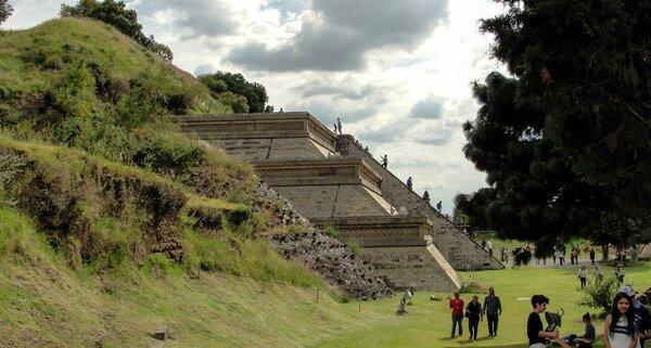 Мексика: археологи обнаружили пирамиду с драгоценными камнями Археология