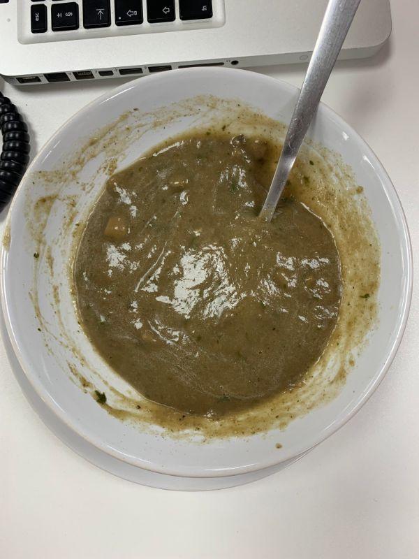 грибной суп в чашке