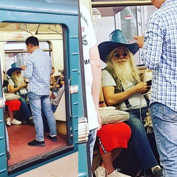 пожилой мужчина в шляпе с бородой