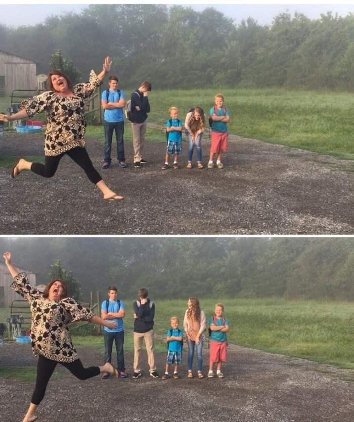 мама скачет от радости на фоне детей