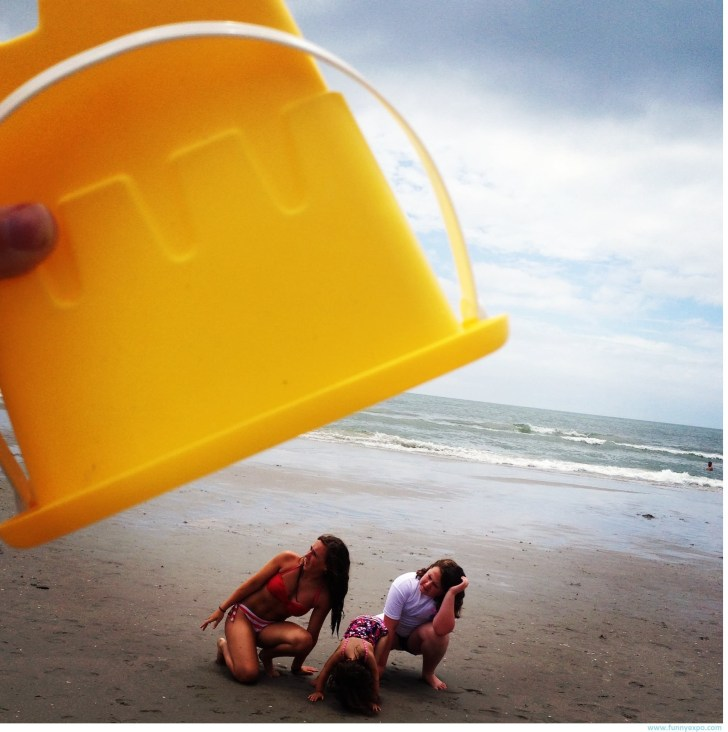 Открытки, смешная картинка с пляжа