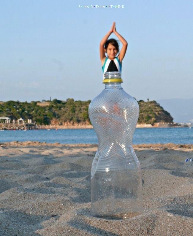 девочка в бутылке