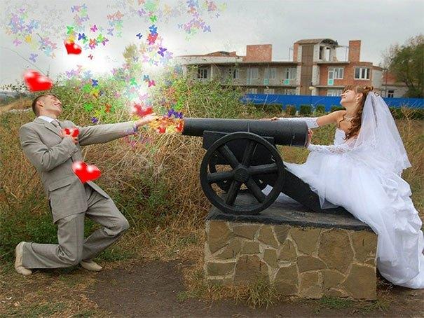 невеста стреляет в жениха из пушки