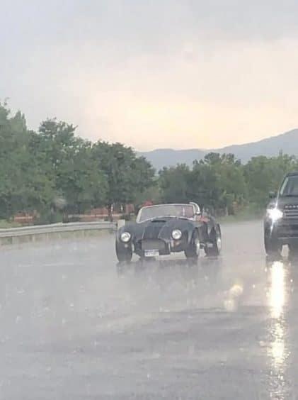 дождь и машина