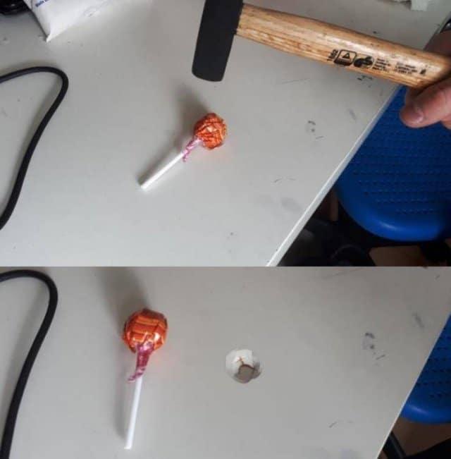 чупа чупс на столе