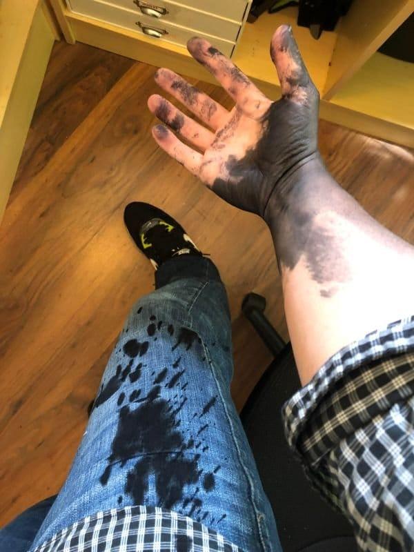 грязные пятна на одежде