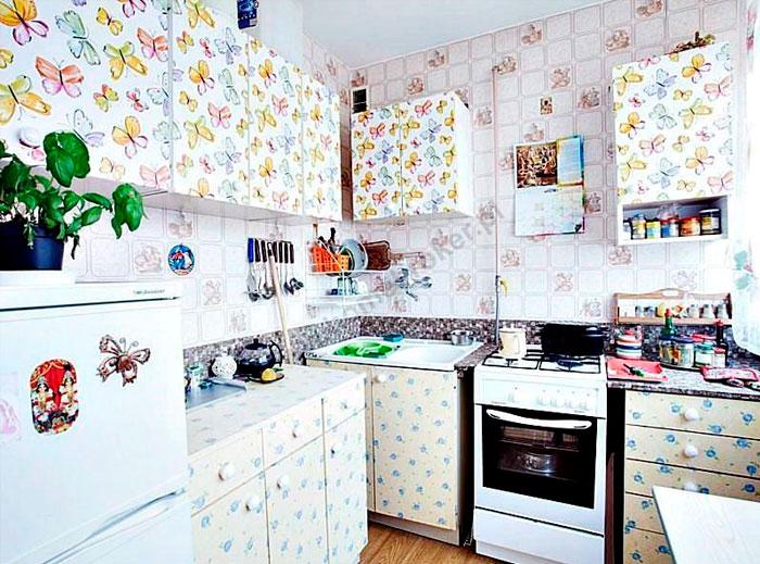 кухня в бабочках