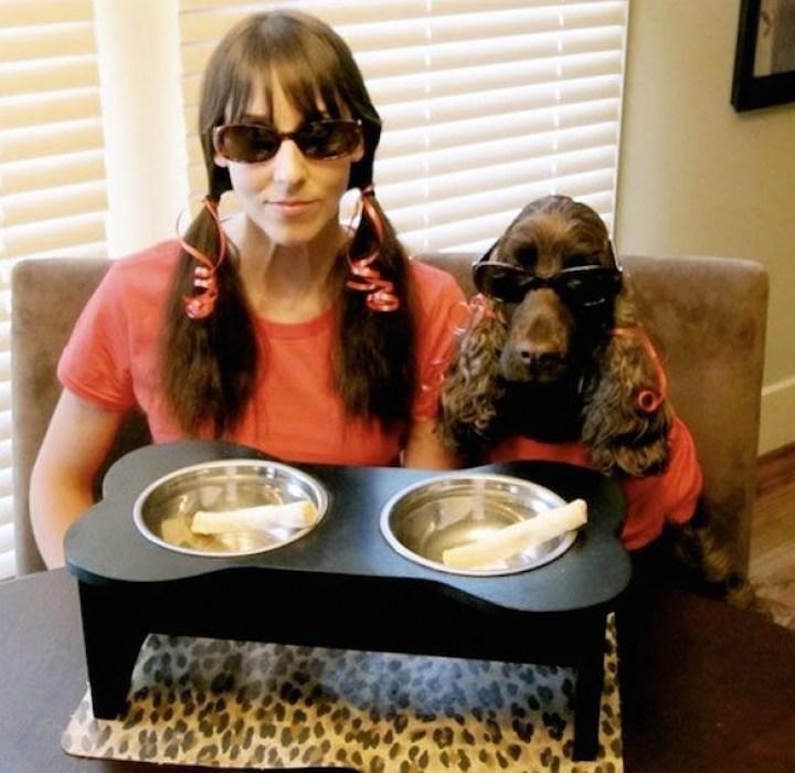 женщина и собака в очках