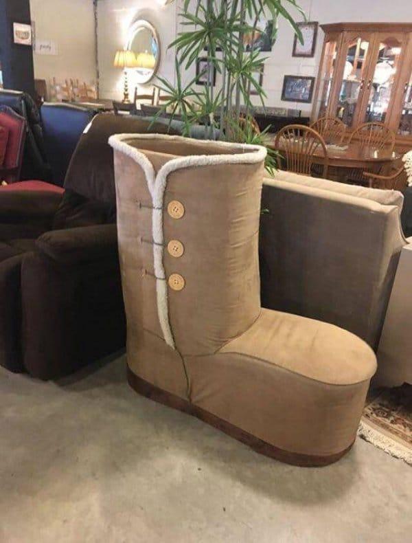 кресло в форме угги